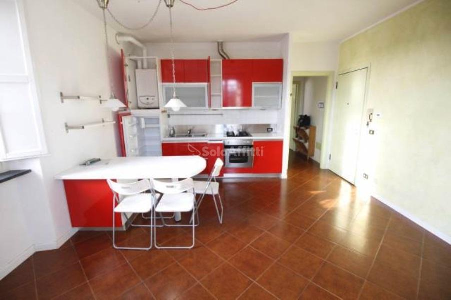 Ufficio Casa Lucca : Vendita casa indipendente in via enrico pea lucca buono stato