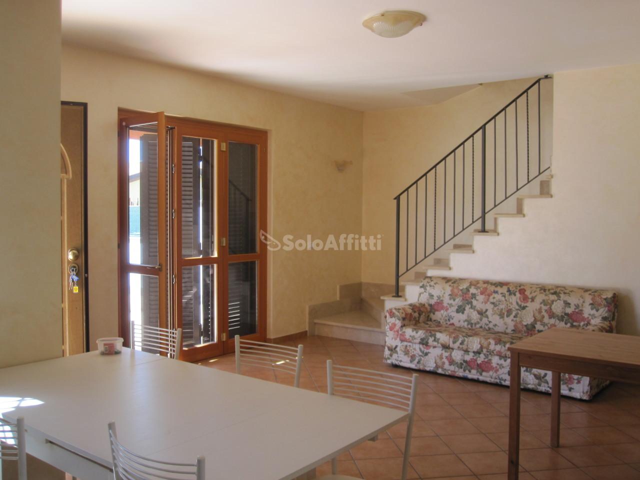 Villa Bifamiliare Arredato 6 vani