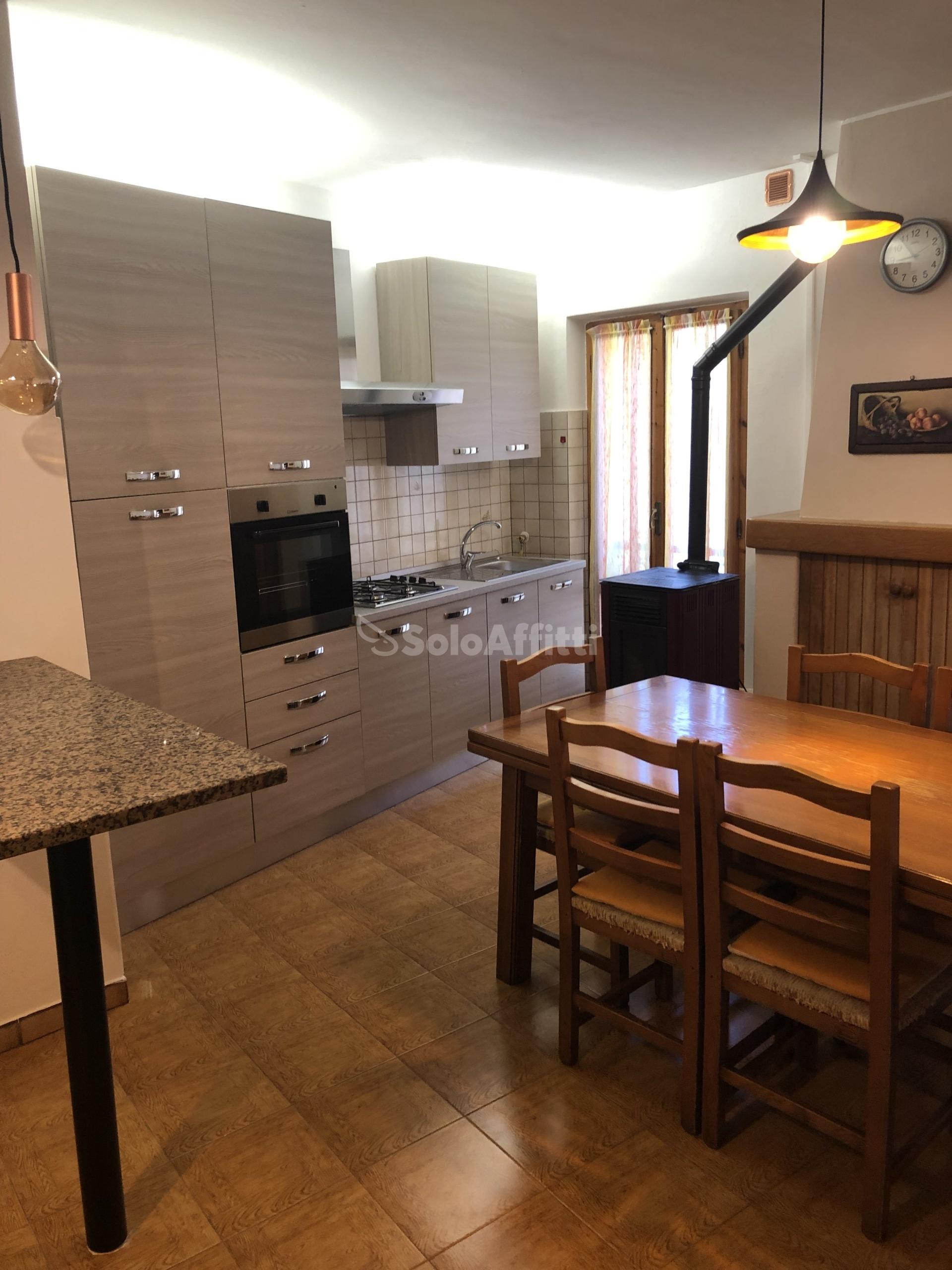 Affitto appartamento bilocale arredato for Bilocale arredato alba