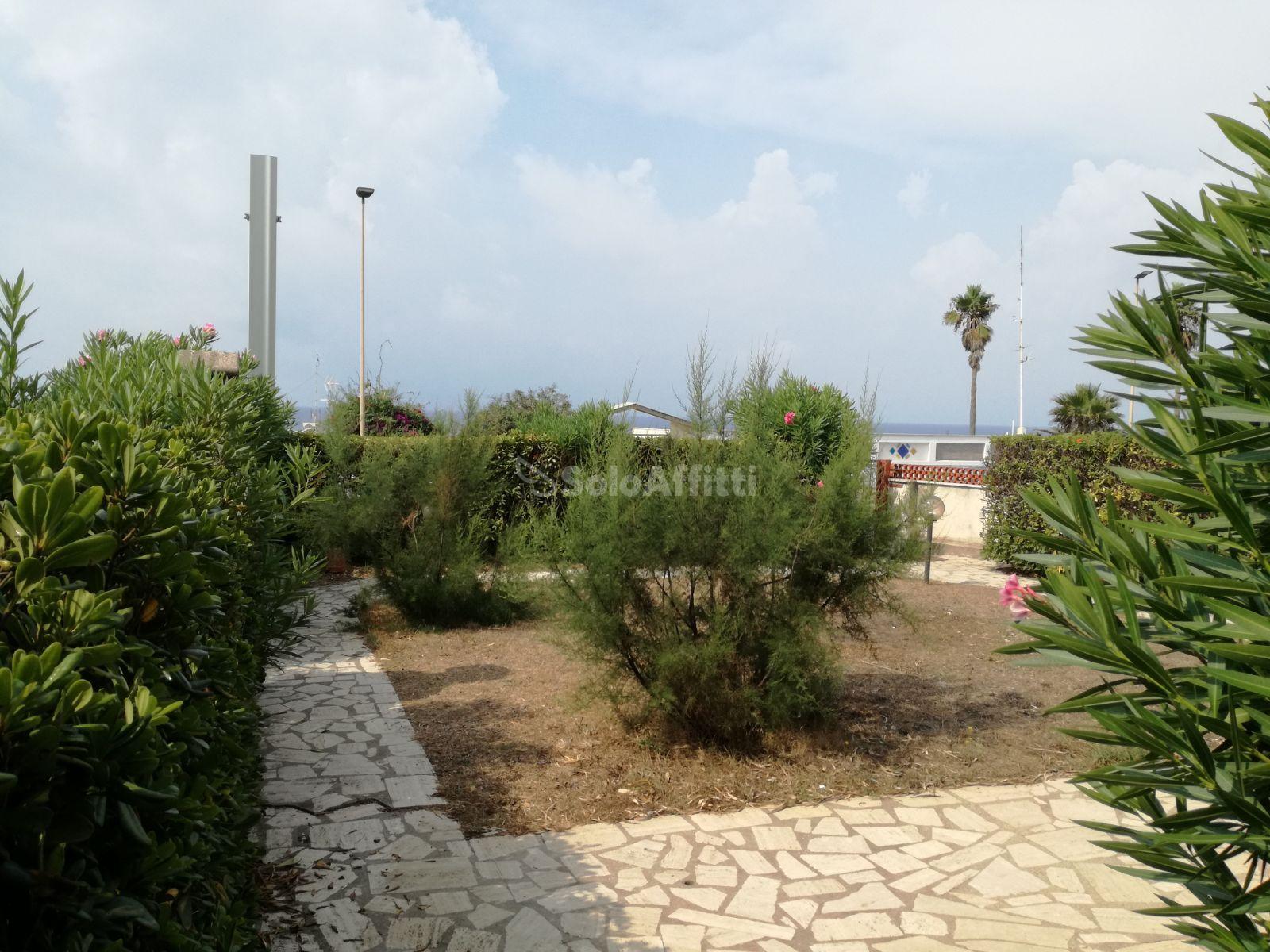 giardino fronte mare