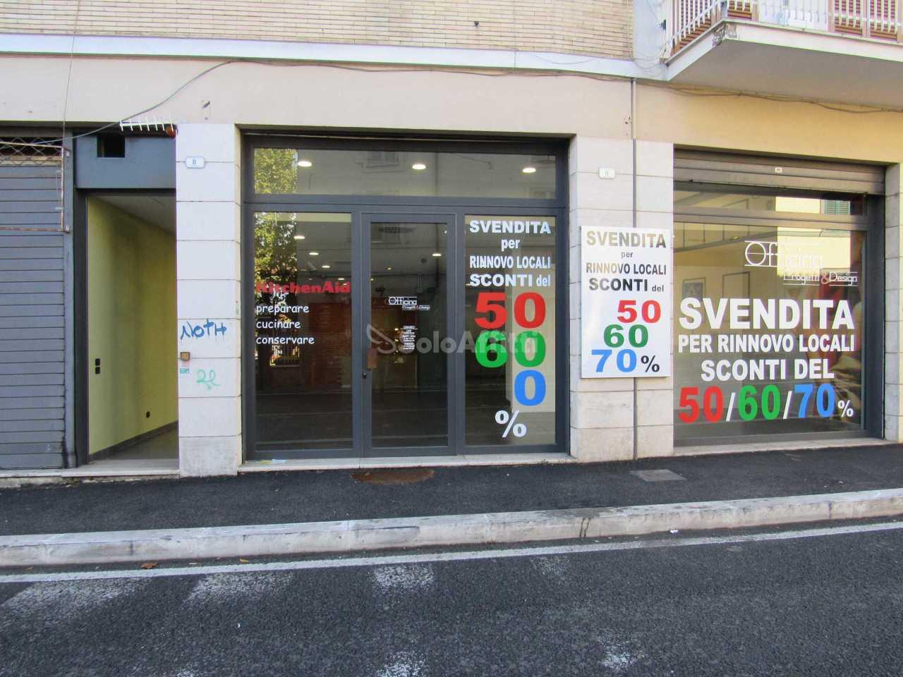 Fondo/negozio - 2 vetrine/luci a Frascati Rif. 11328445