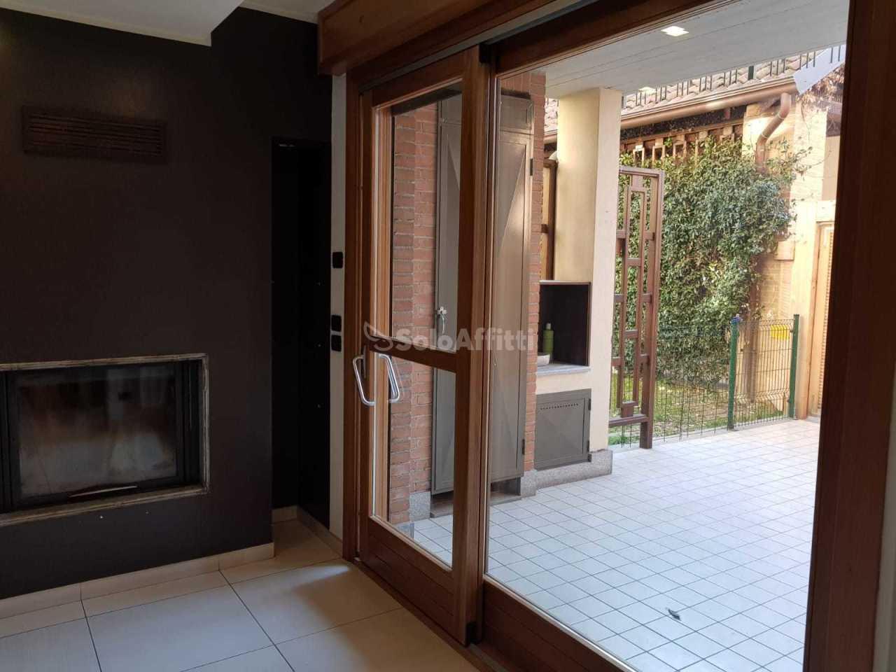 Appartamento in ottime condizioni in affitto Rif. 8282407