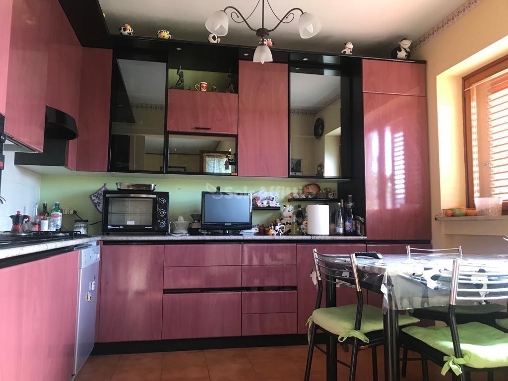 Trilocale in buone condizioni arredato in affitto Rif. 8893903