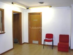 Ufficio in Affitto a Perugia, zona San Sisto, 700€, 90 m²