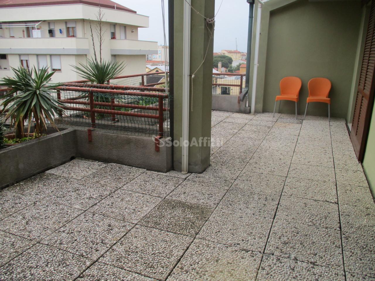 Bilocale in buone condizioni in affitto Rif. 10306178