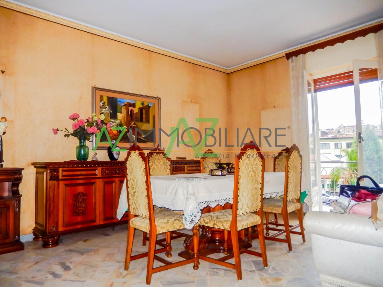 Appartamento in discrete condizioni in vendita Rif. 8463383