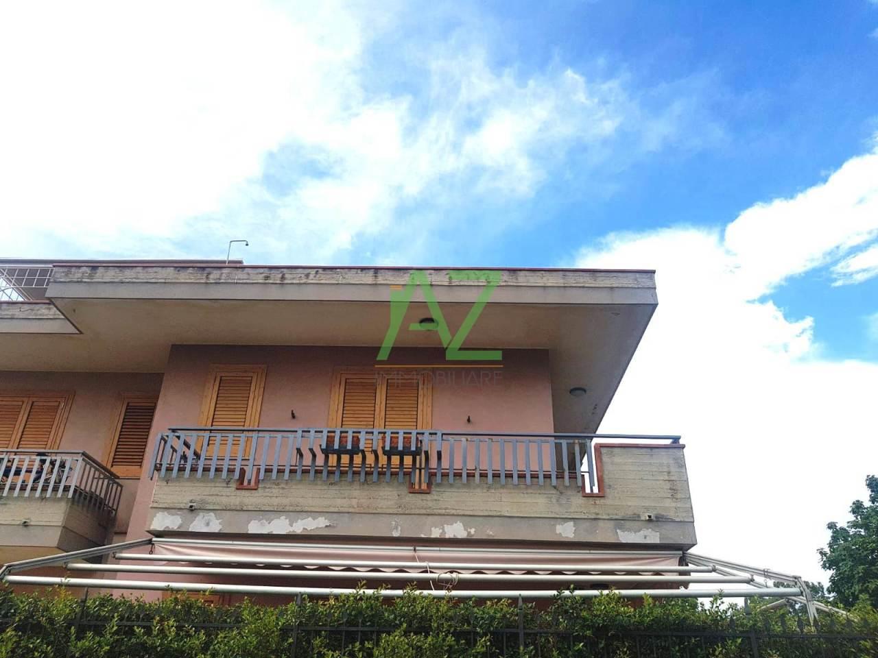 Appartamento in buone condizioni in vendita Rif. 7251279