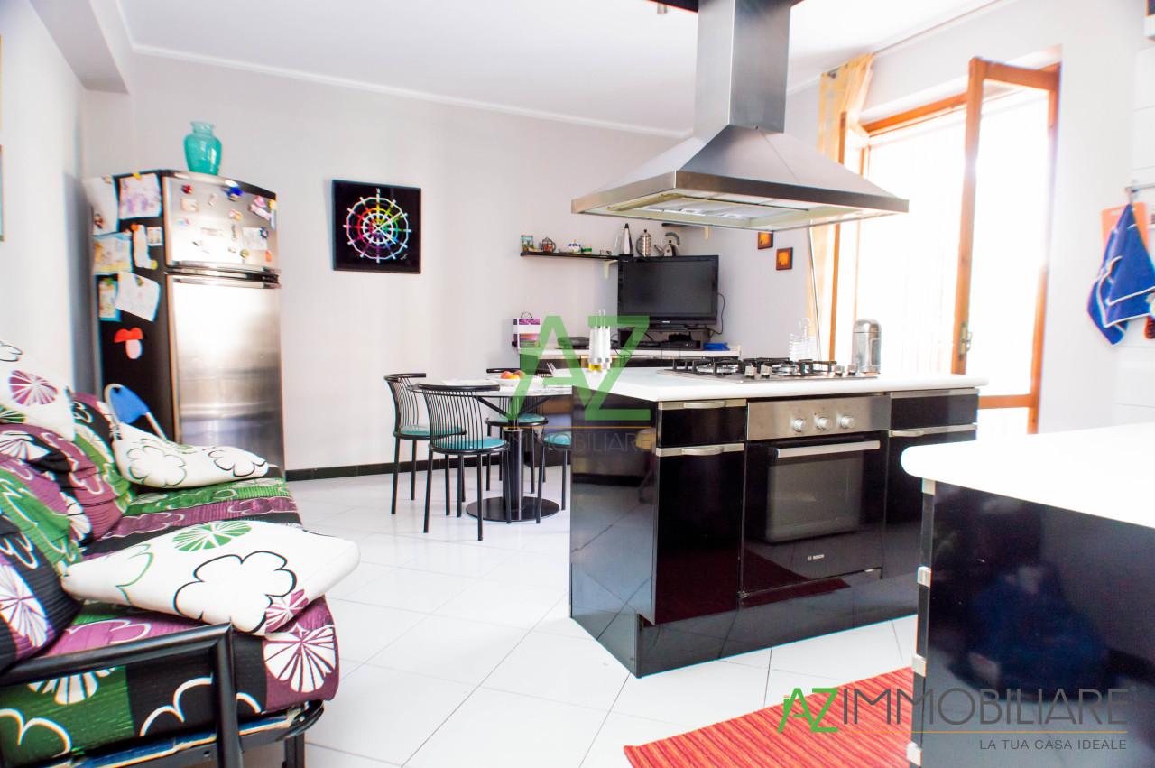 Appartamento in vendita a Aci Sant'Antonio, 5 locali, prezzo € 175.000 | PortaleAgenzieImmobiliari.it
