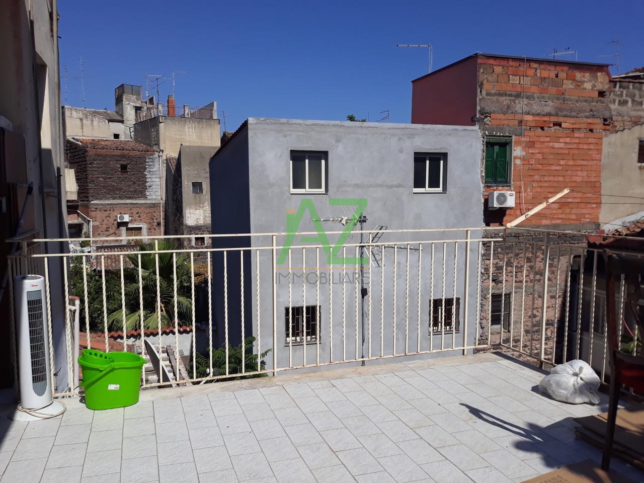 Appartamento da ristrutturare in vendita Rif. 11077357