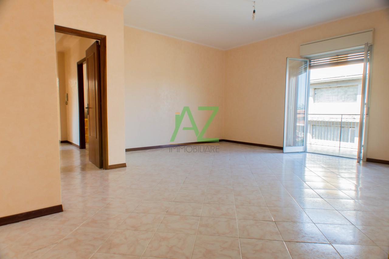Appartamento in buone condizioni in affitto Rif. 9191196