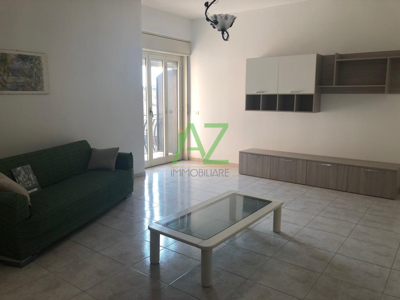 Appartamento in ottime condizioni arredato in affitto Rif. 11002991