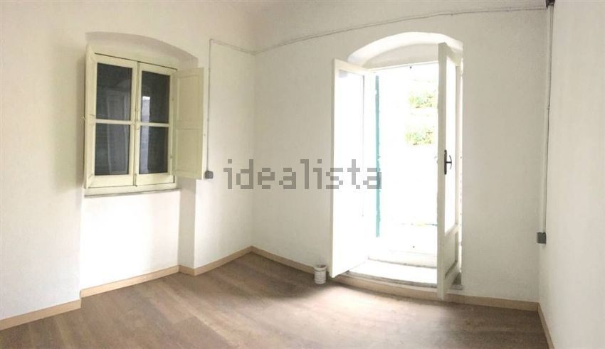 Soluzione Semindipendente in vendita a Sarzana, 2 locali, prezzo € 80.000   CambioCasa.it