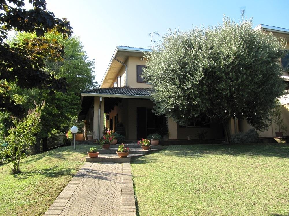 Porzione di casa in ottime condizioni in affitto Rif. 11237964