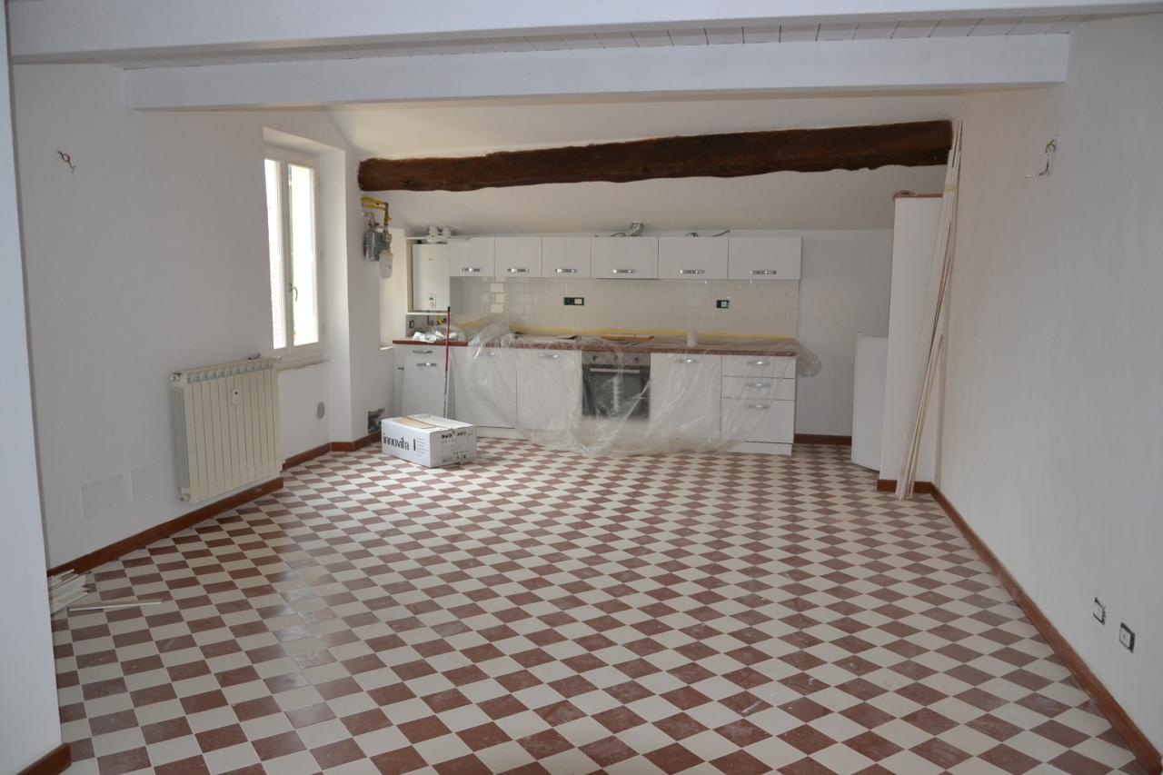 Appartamento in ottime condizioni in affitto Rif. 8546569