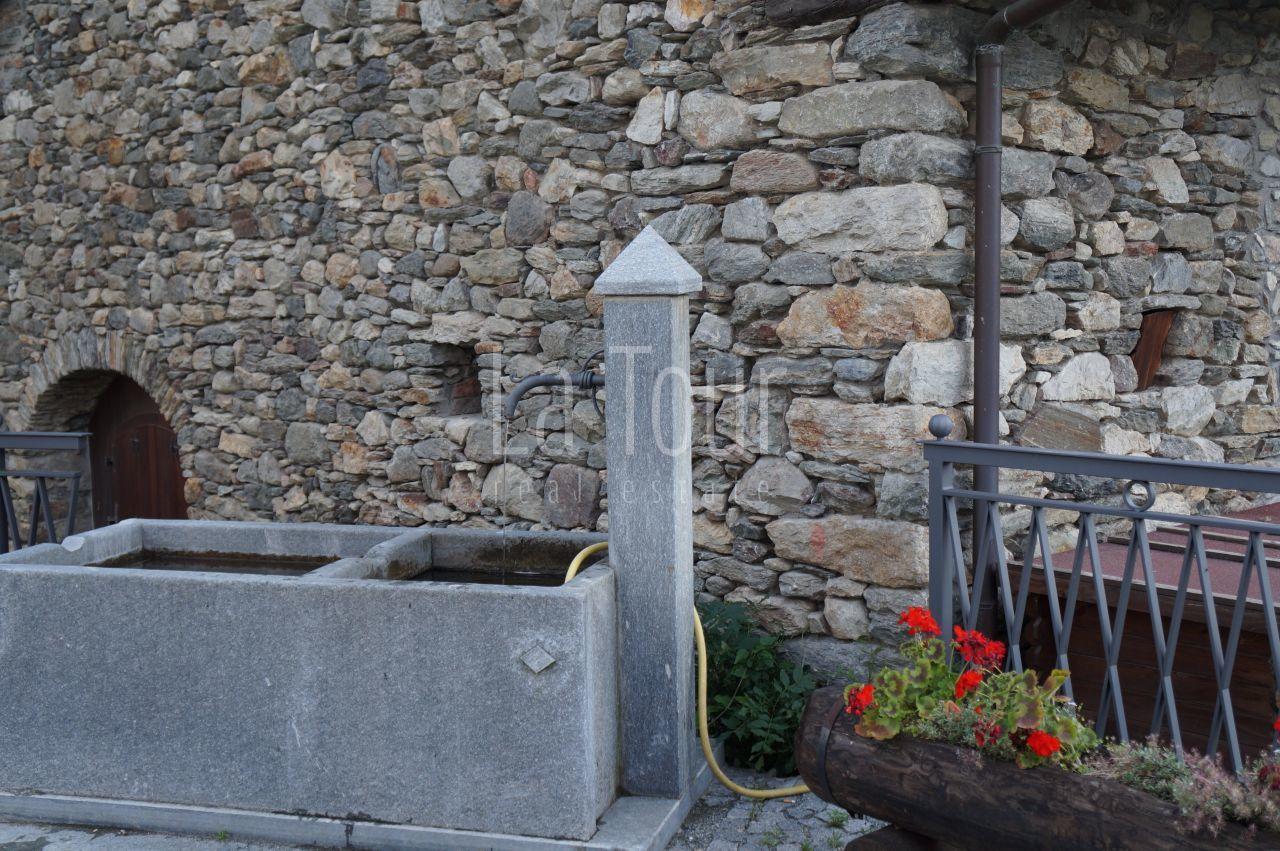 la fontana del villaggio