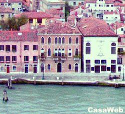 Appartamento in Vendita a Venezia, zona Dorsoduro, 260 m²
