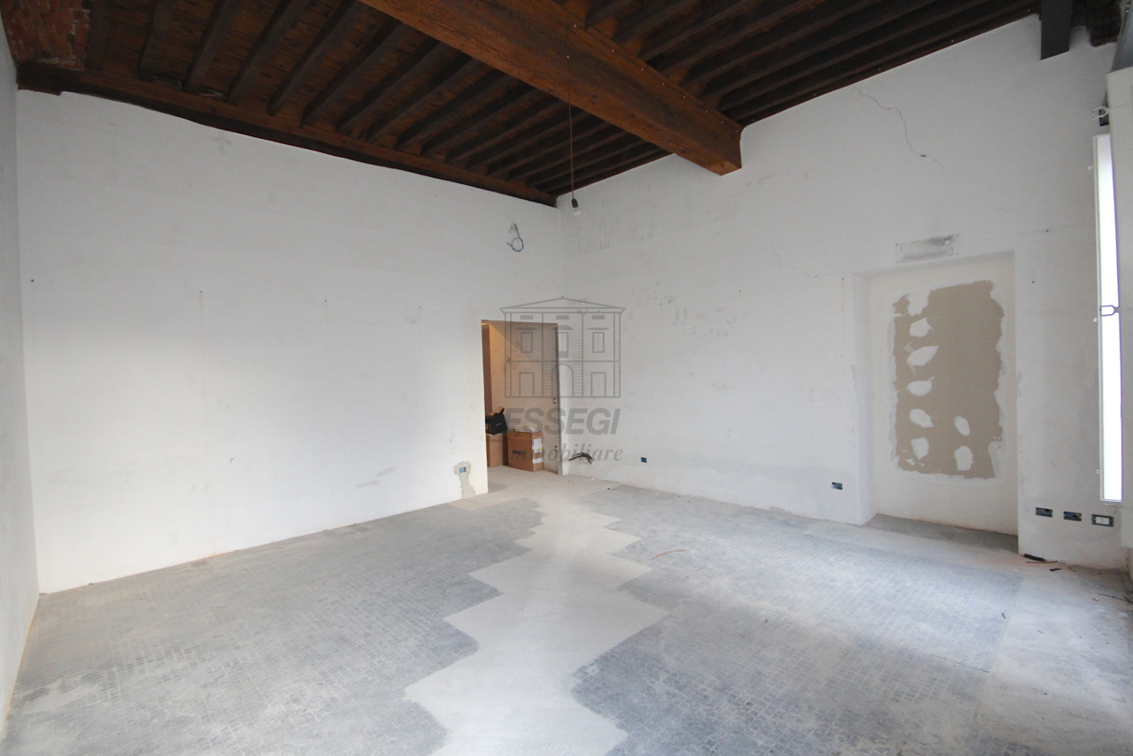 Appartamento Lucca Centro storico IA03452 img 7