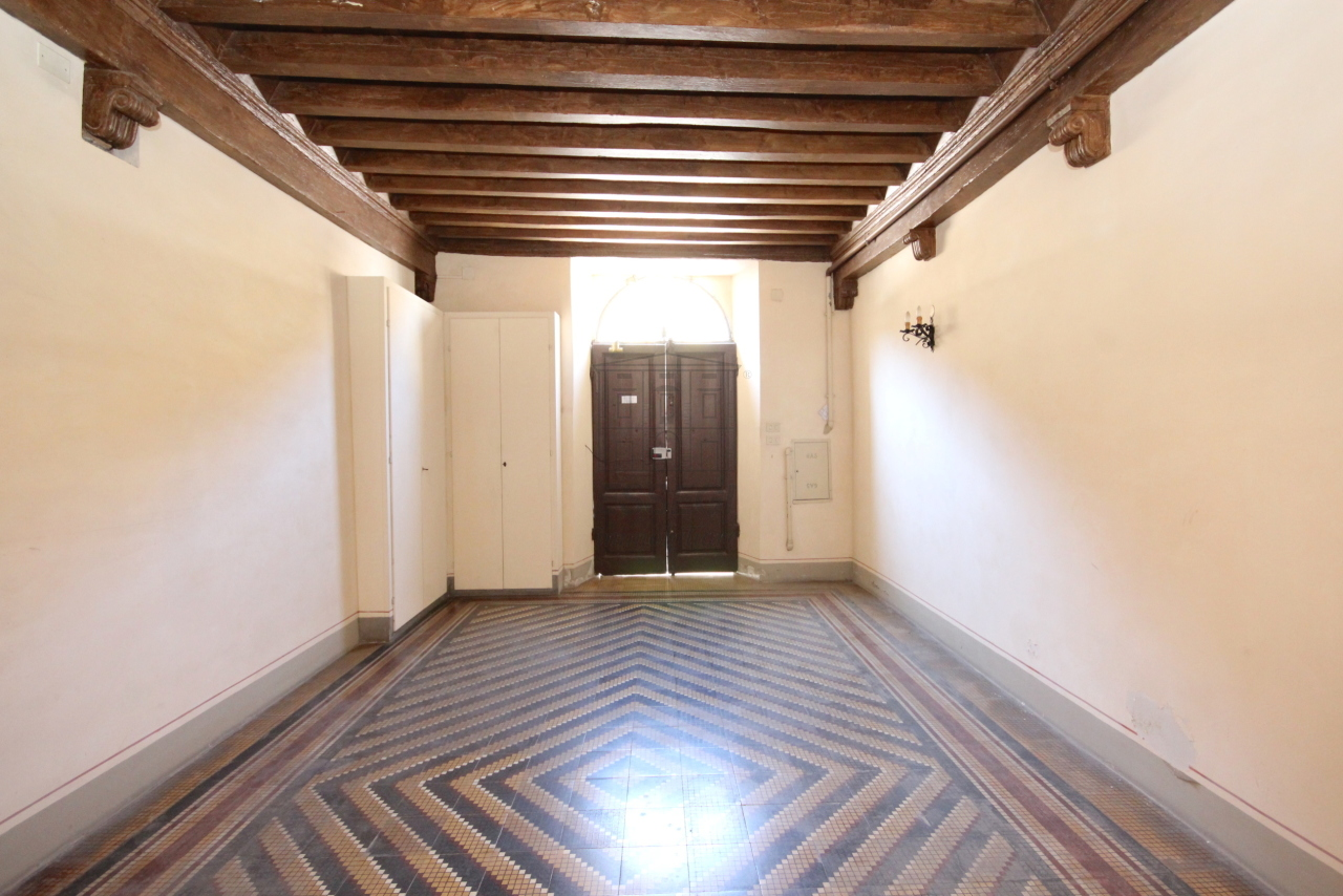 Appartamento Lucca Centro storico IA03358 img 39