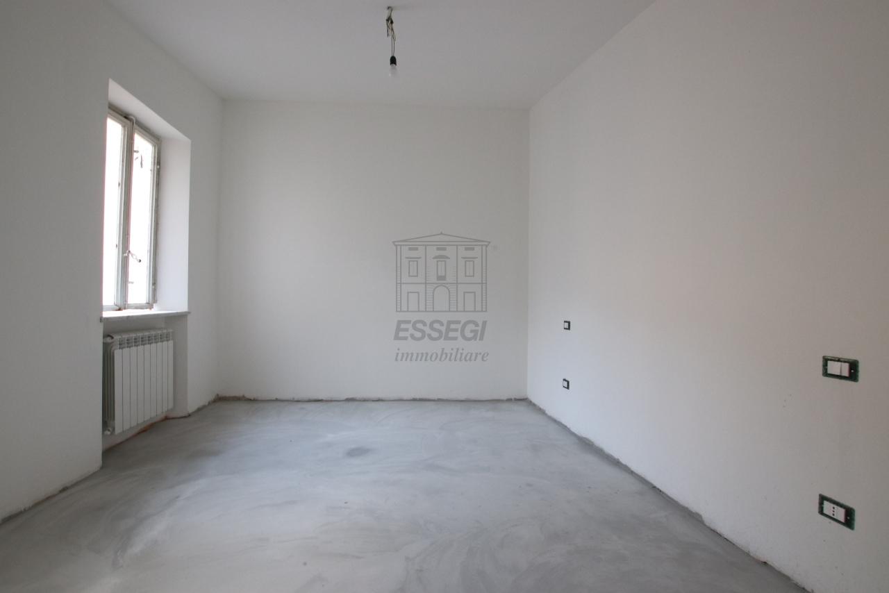 Appartamento Lucca Centro storico IA03503-a img 2