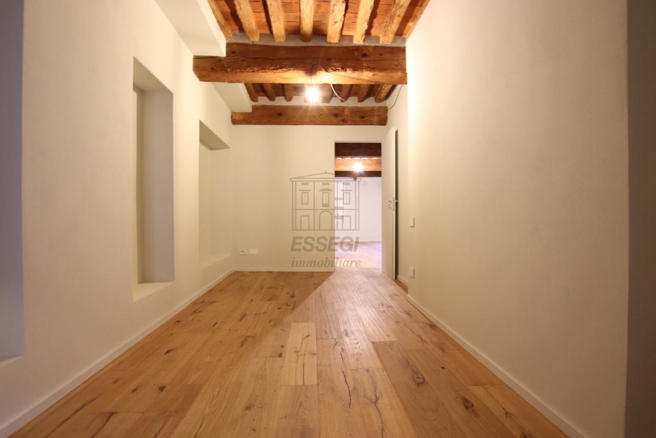 Appartamento Lucca Centro storico IA03520 img 15