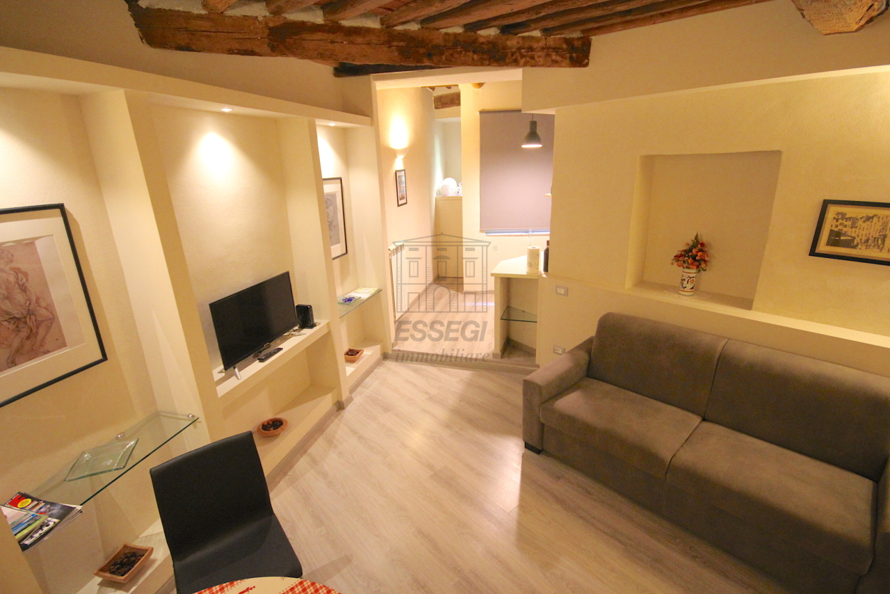 Appartamento Lucca Centro storico IA03481 img 3