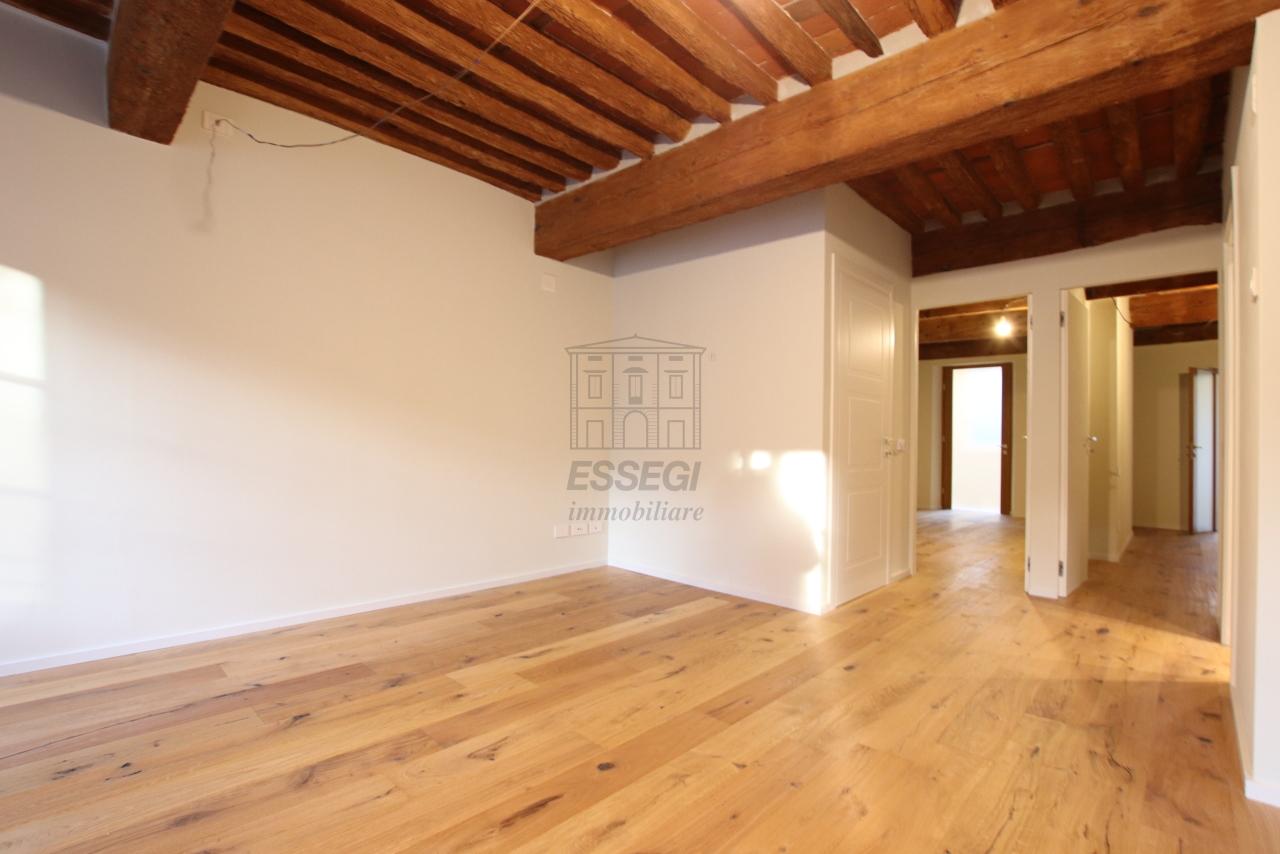 Appartamento Lucca Centro storico IA03520 img 3