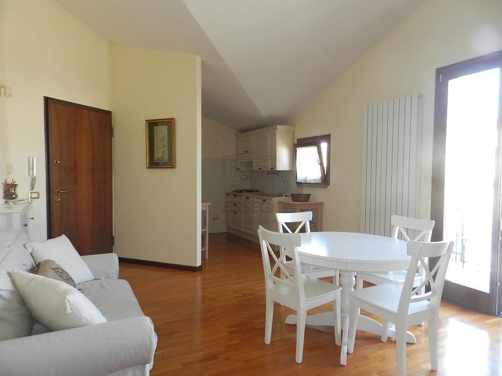 Appartamento Lucca Borgo Giannotti IA02555-bis img 2