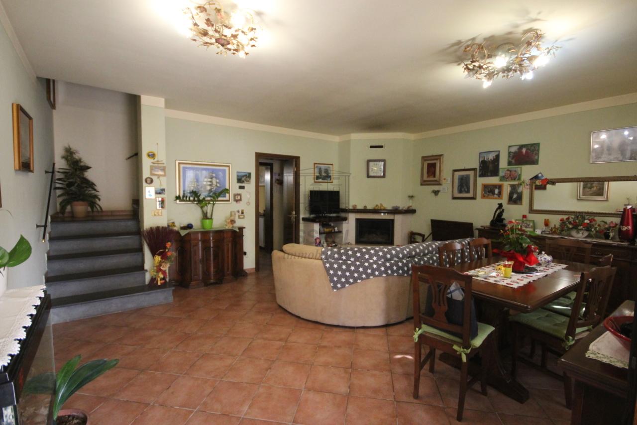Casa di corte Capannori Lammari IA01552 img 2