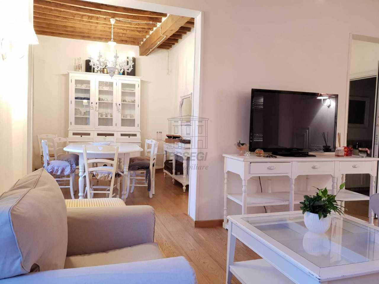 Appartamento Lucca Centro storico IA03479 img 2