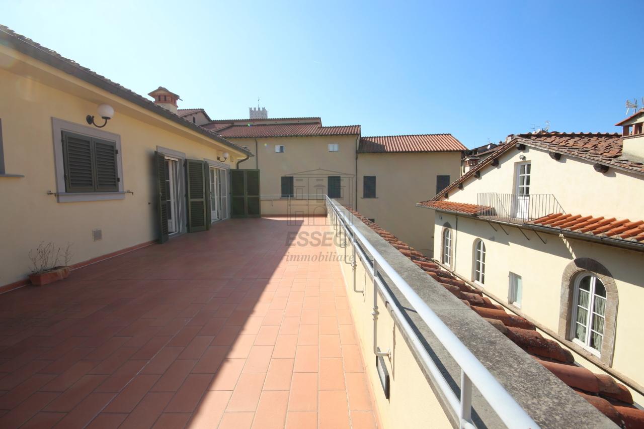 Appartamento Lucca Centro storico IA03259 img 2