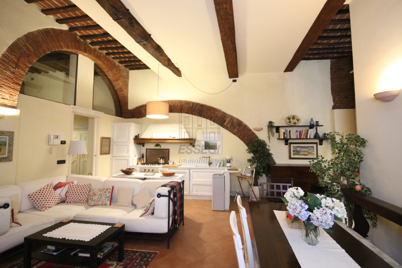 Appartamento Lucca Centro storico IA01292 img 2
