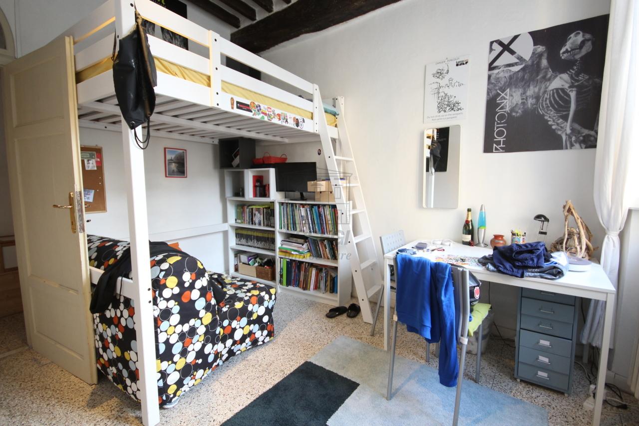 Appartamento Lucca Centro storico IA00610 img 14