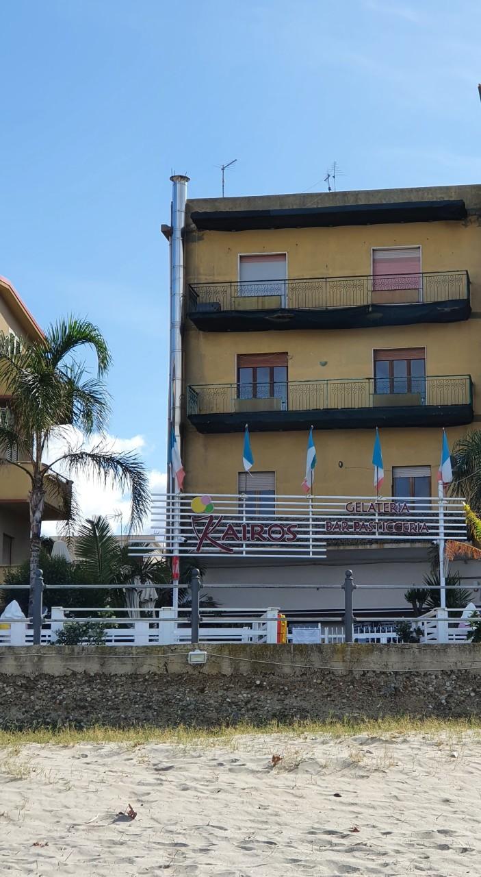 Appartamento in vendita a Villa San Giovanni, 10 locali, prezzo € 70.000 | CambioCasa.it