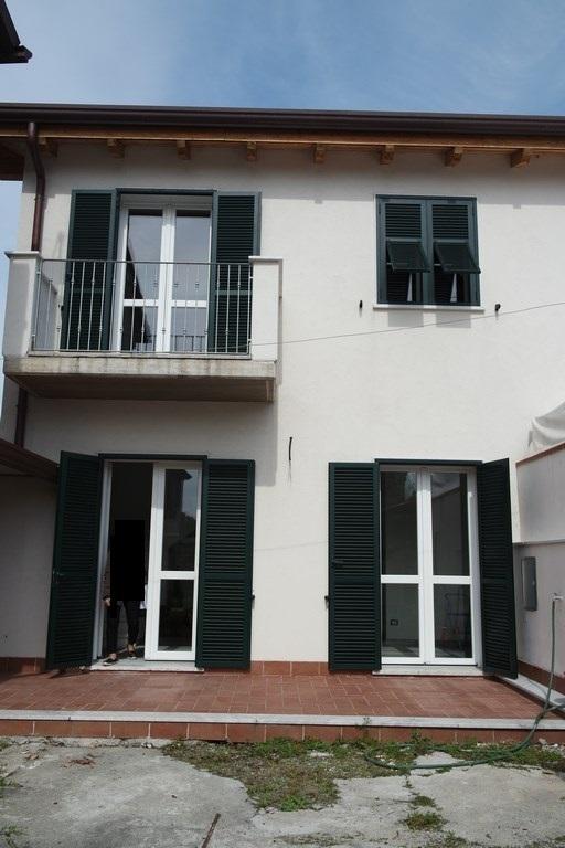 Casa Indipendente ristrutturato in affitto Rif. 10048971