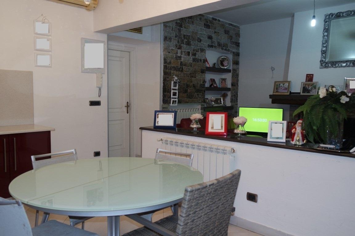 Appartamento in ottime condizioni in vendita Rif. 9558809
