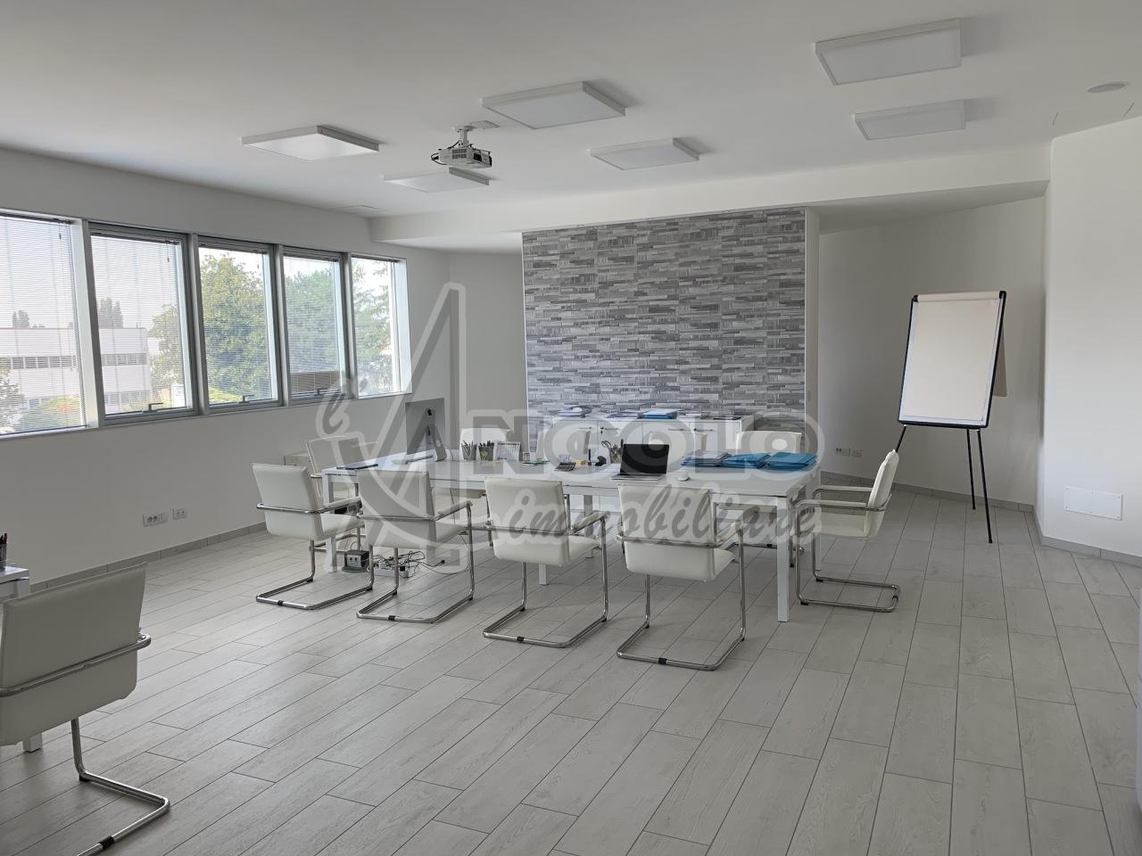 Ufficio / Studio in vendita a Occhiobello, 3 locali, prezzo € 118.000 | CambioCasa.it