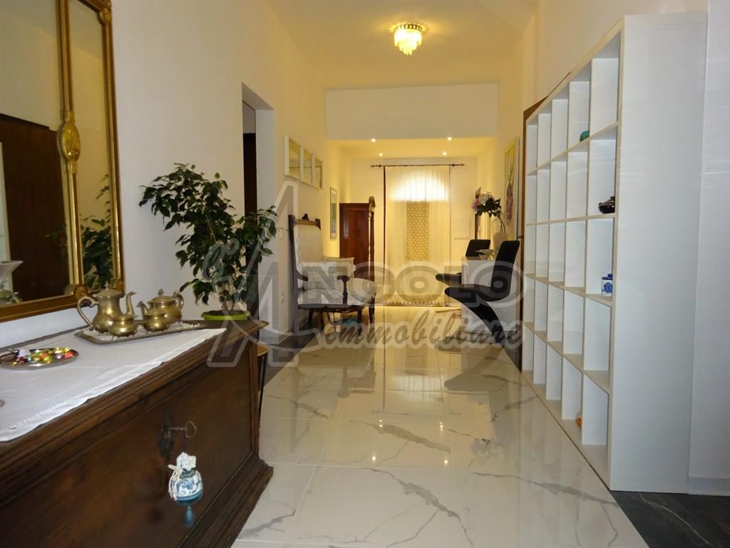 Appartamento in ottime condizioni in vendita Rif. 4147557