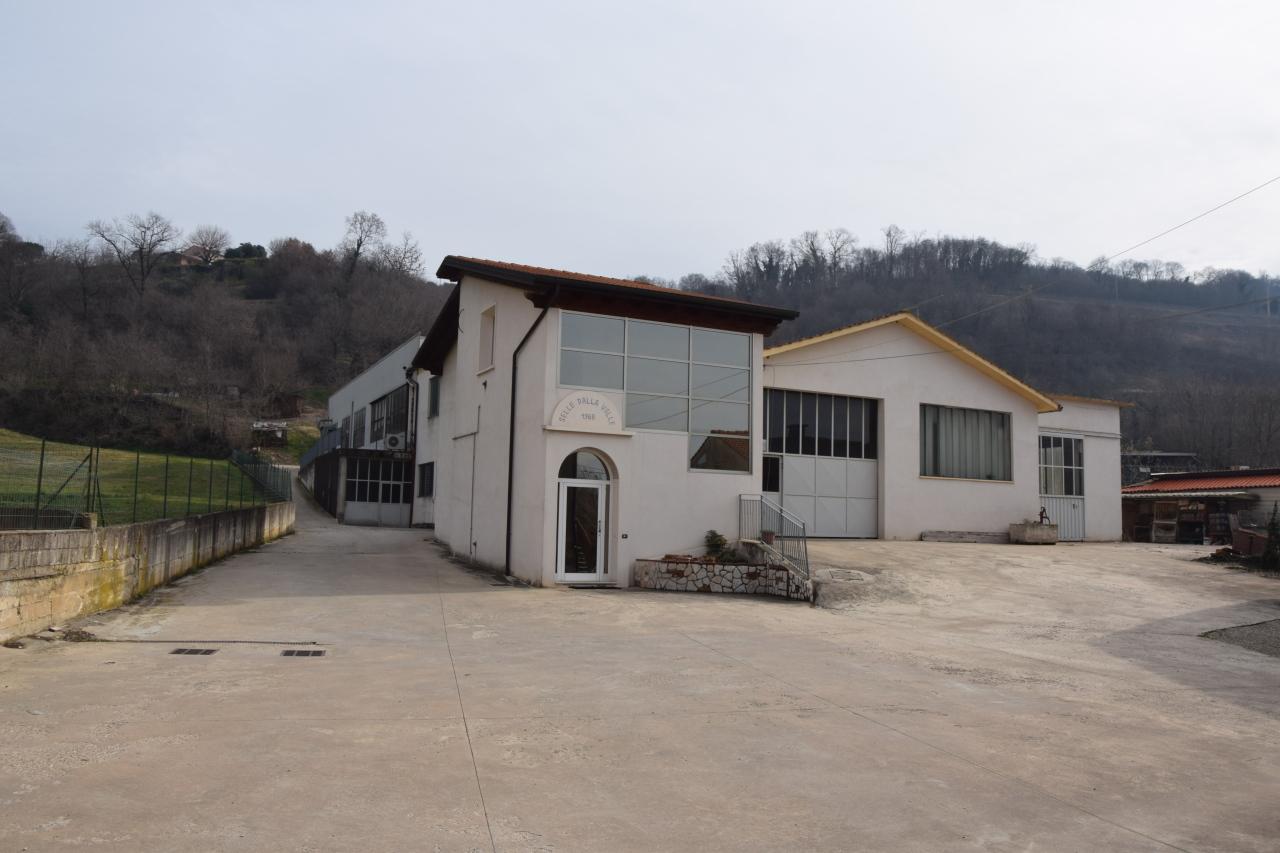 Capannone in vendita a Sarego, 5 locali, Trattative riservate | CambioCasa.it