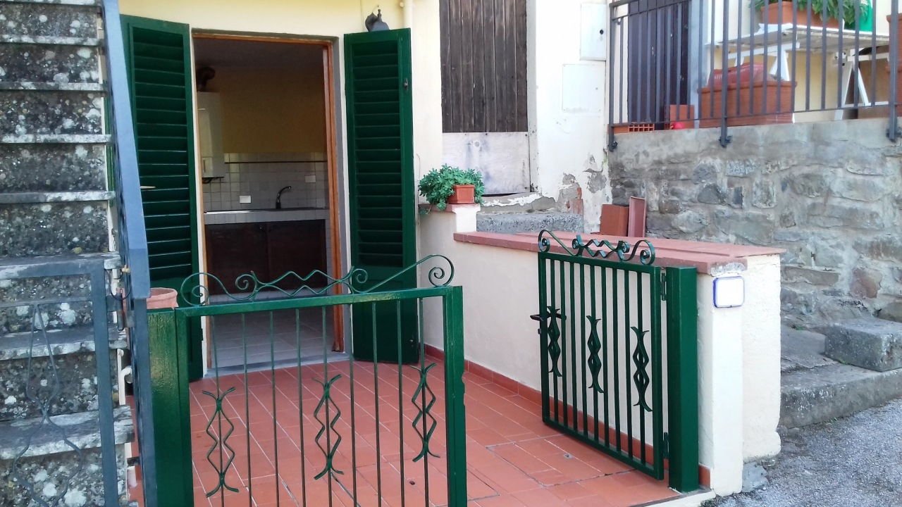 Appartamento in buone condizioni in vendita Rif. 11125974