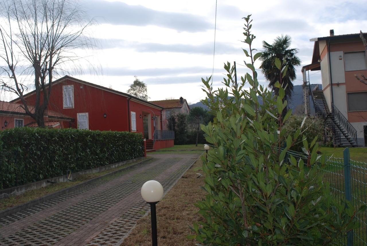 Villa - in bifamiliare a Sarzana