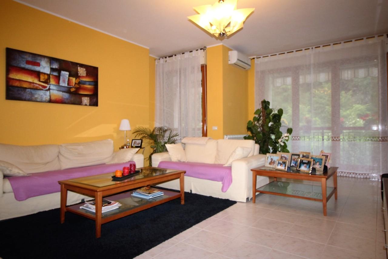 Appartamento - Trilocale a Meina
