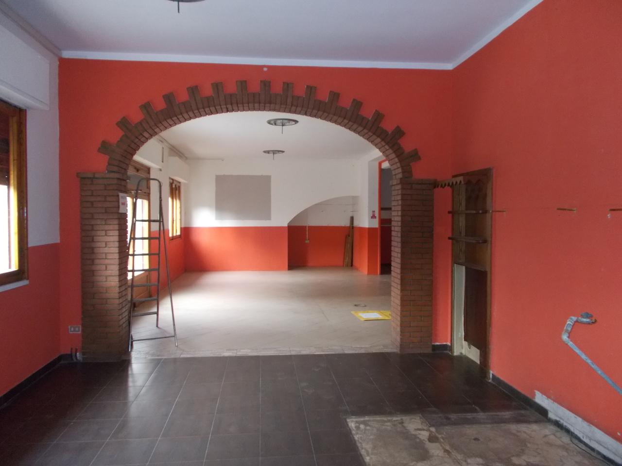 Negozio / Locale in vendita a Montale, 3 locali, prezzo € 250.000 | CambioCasa.it
