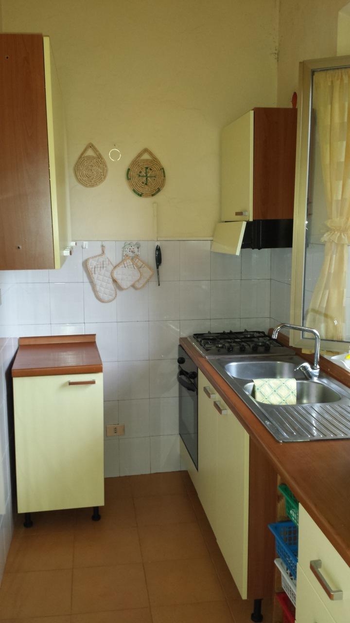 Appartamento in buone condizioni arredato in vendita Rif. 9854576