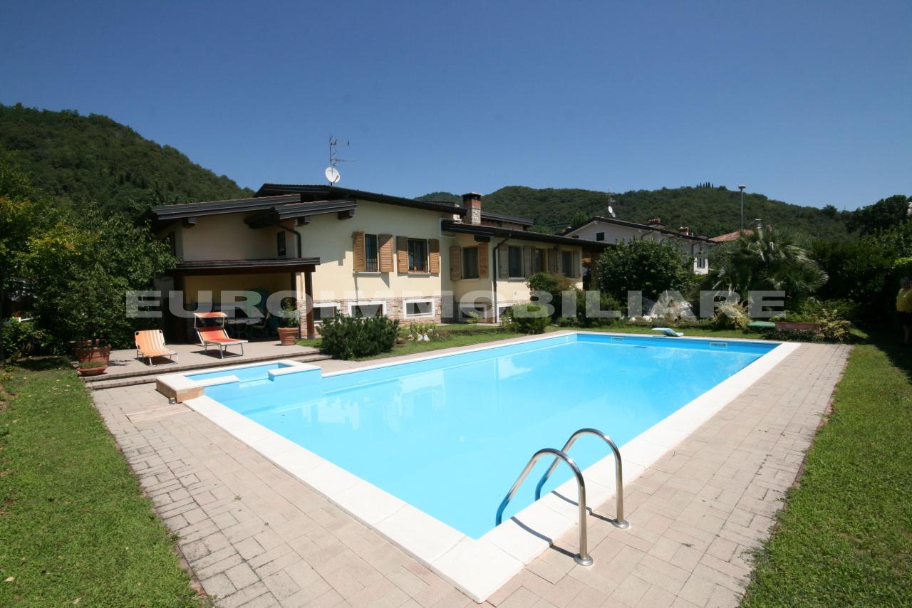 Villa in vendita a Rodengo-Saiano, 4 locali, prezzo € 645.000 | CambioCasa.it