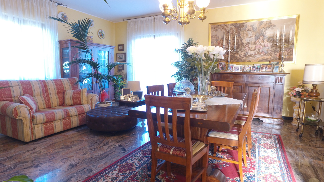 Casa indipendente - Casa singola a Teramo