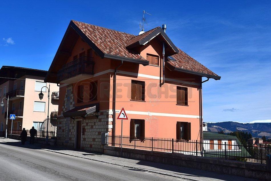 Appartamento in vendita a Roana, 3 locali, prezzo € 119.000 | CambioCasa.it