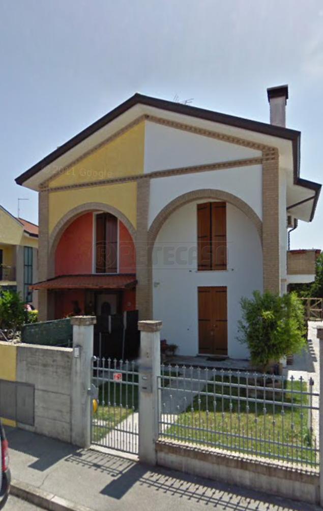 Porzione di casa da ristrutturare in vendita Rif. 9854372
