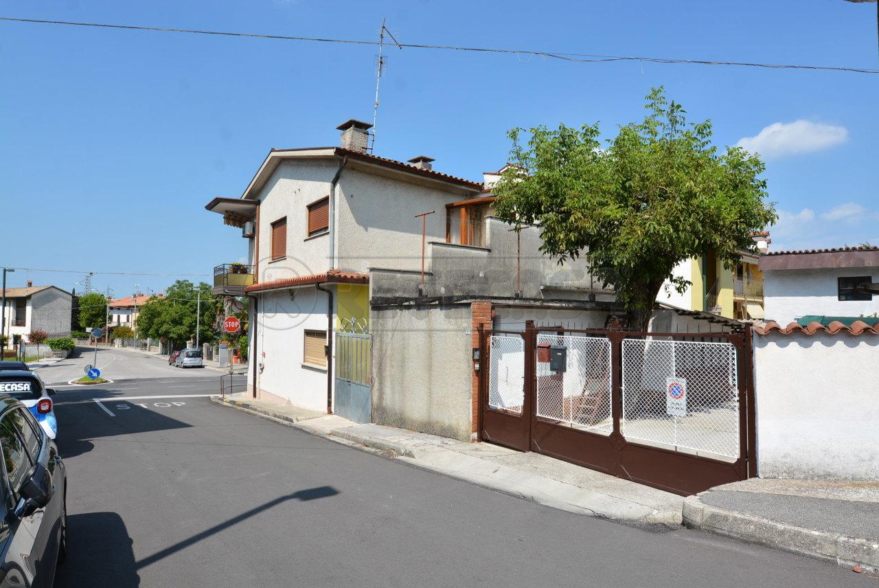 Appartamento in vendita a Fogliano Redipuglia, 5 locali, prezzo € 98.000 | PortaleAgenzieImmobiliari.it