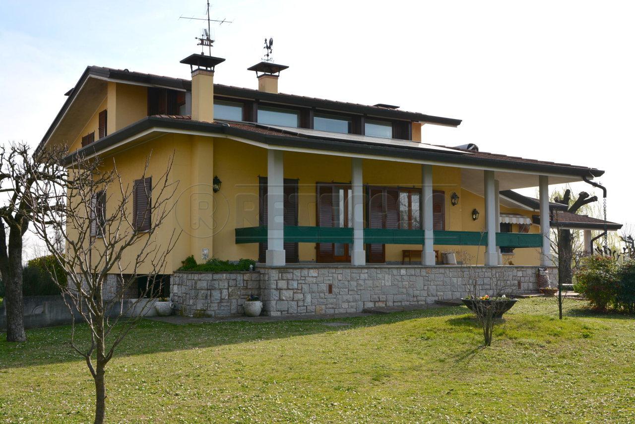Villa in Vendita a Santa Maria La Longa