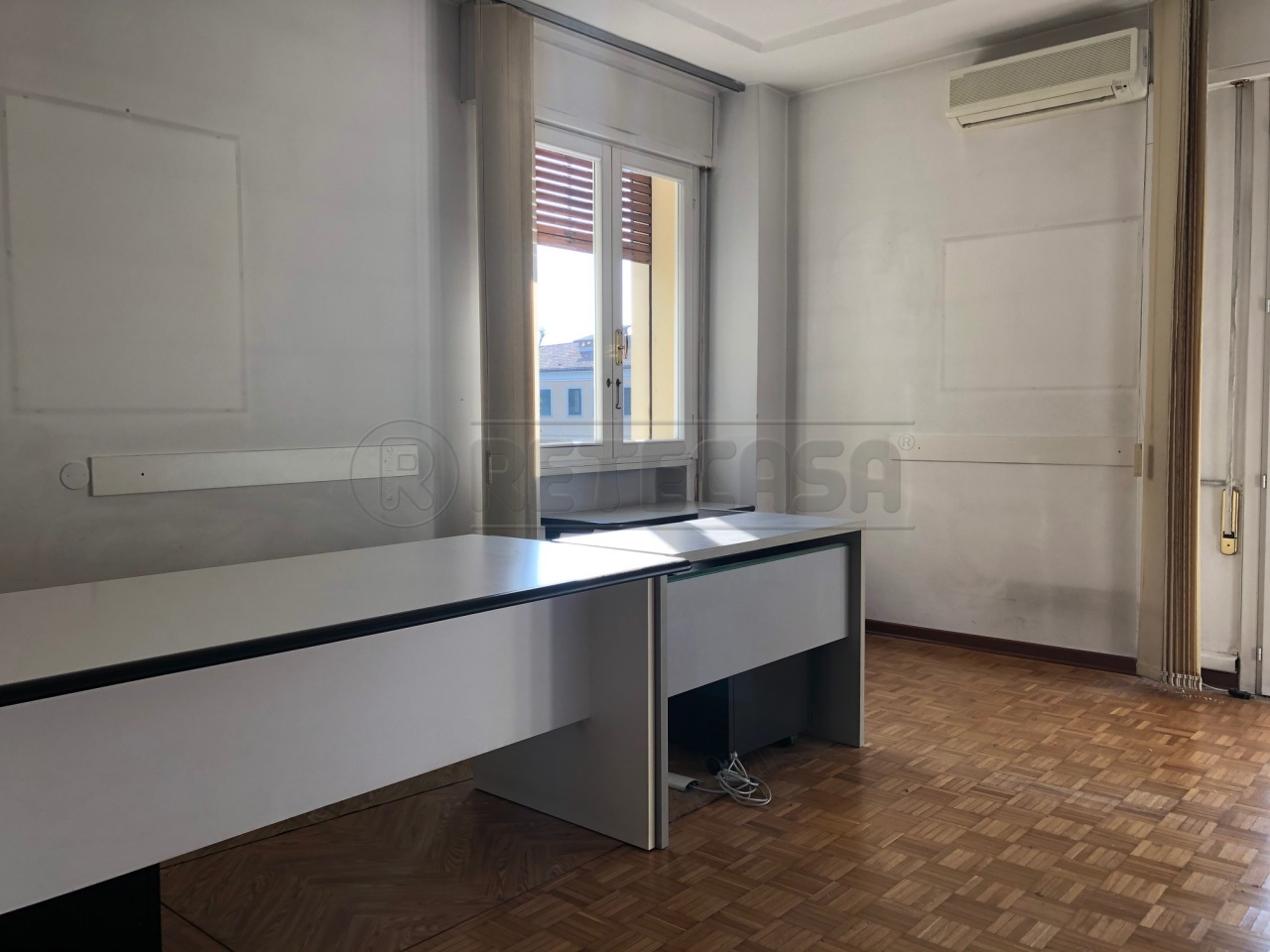 Ufficio / Studio in affitto a Bassano del Grappa, 5 locali, prezzo € 660 | CambioCasa.it